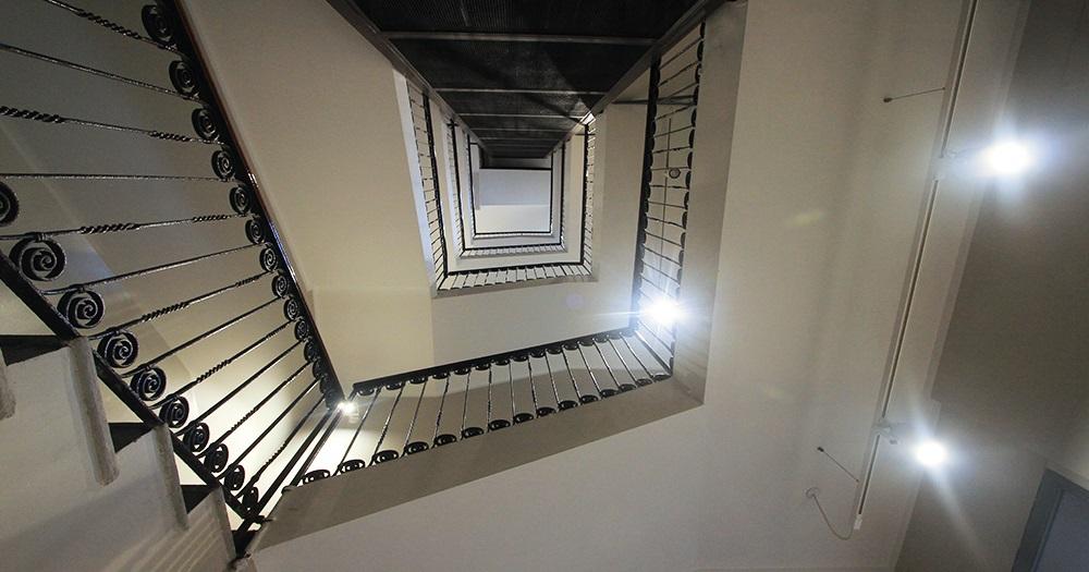 Plafoniere A Led Per Scale Condominiali : Illuminazione scale condominiali u2013 decorazione